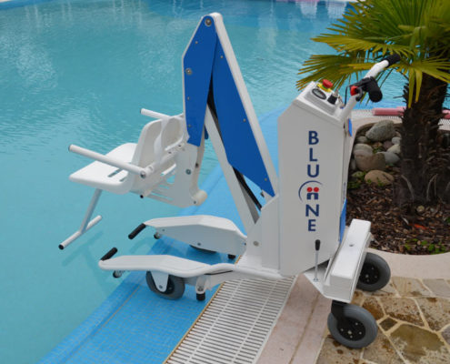 Portable And Fixed Pool Lift For Disabled Persons
