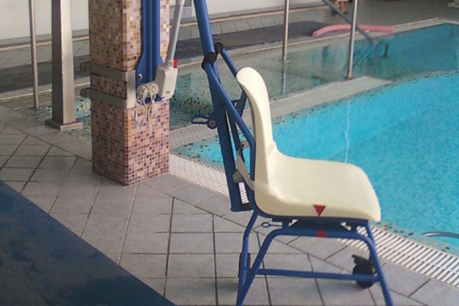 sollevatore disabili anziani piscina