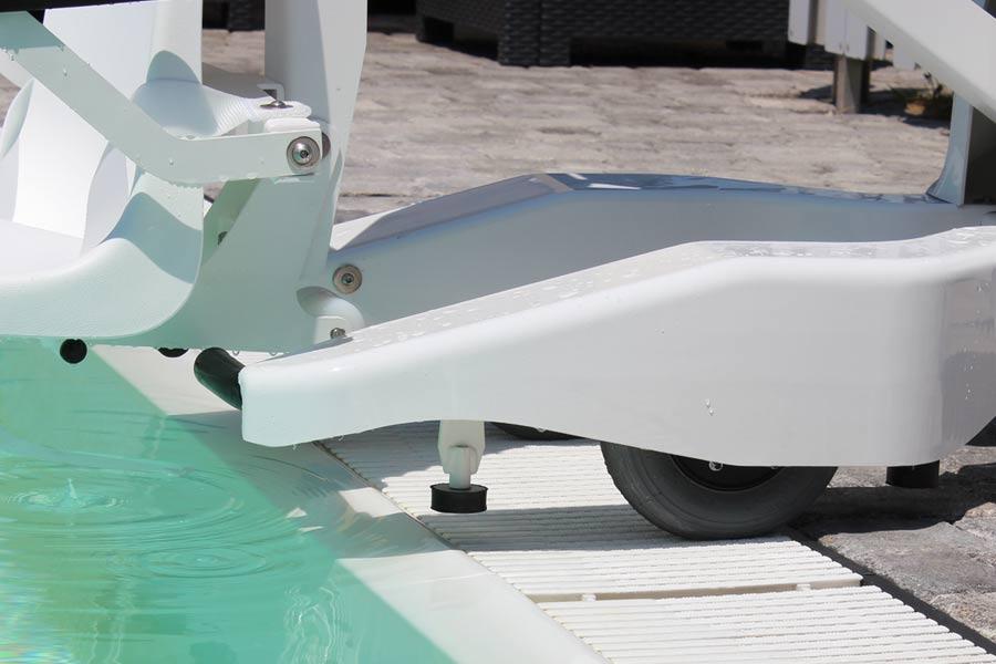 sollevatore per disabili da piscina