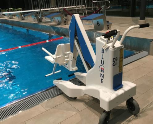 Sollevatore per piscina disabile